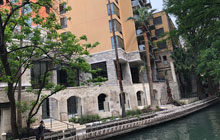 Hampton Inn & Suites San Antonio Riverwalk - 2 Queen Beds or 1 King with Sofa Bed - Free Breakfast & Free Valet Parking