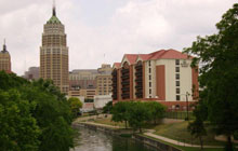 Hyatt Place Riverwalk - 1 King or 2 Double Beds &  Sofa Bed - Free Breakfast and Free Parking