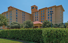 La Quinta Inn & Suites Airport - 2 full beds or 1 King with Sofa Sleeper - Free Breakfast