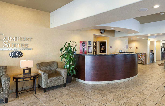 Comfort Suites San Antonio near Six Flags Fiesta Texas  - front desk