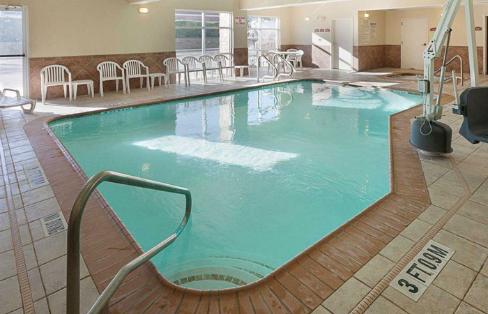 Comfort Suites San Antonio near Six Flags Fiesta Texas  - pool