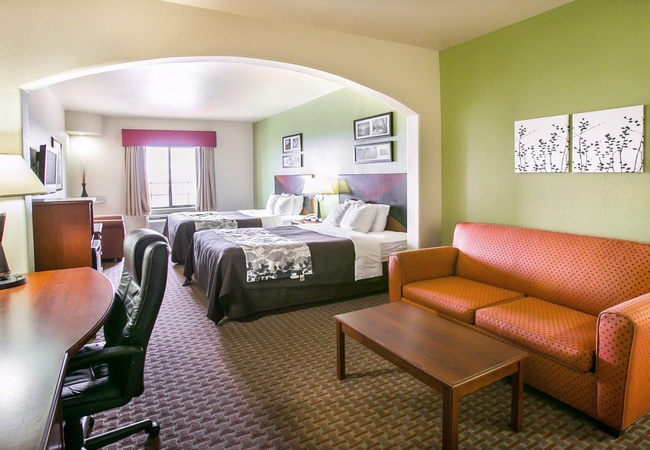 Sure Stay Plus near San Antonio SeaWorld  - double with living room