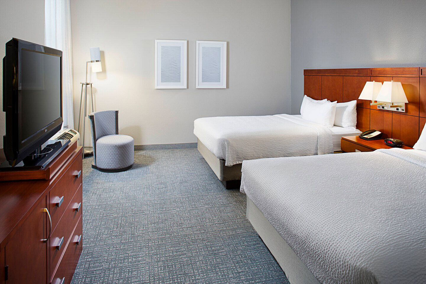 Courtyard Marriott Hotel near Seaworld San Antonio Front Hotel