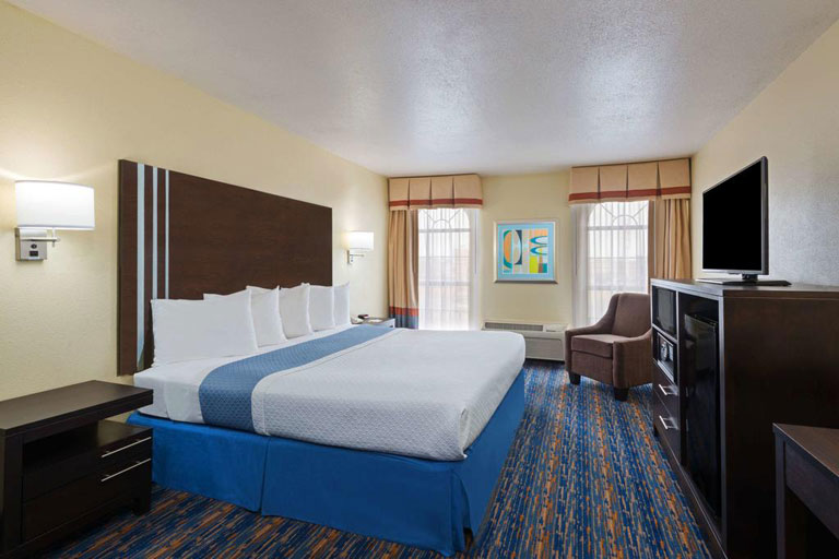 Days Inn San Antonio SeaWorld - king