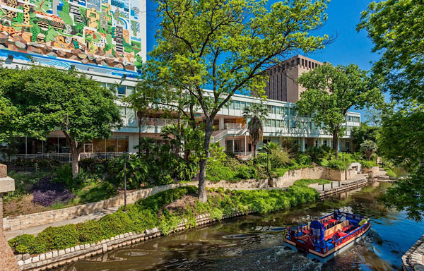 San Antonio Riverwalk Hotels El Tropicano